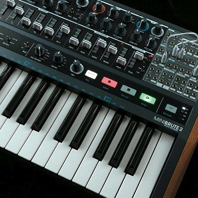 user-friendly synthesizer for starters